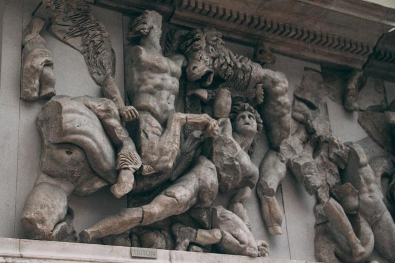 pequenos_monstros_pergamon_berlin-25
