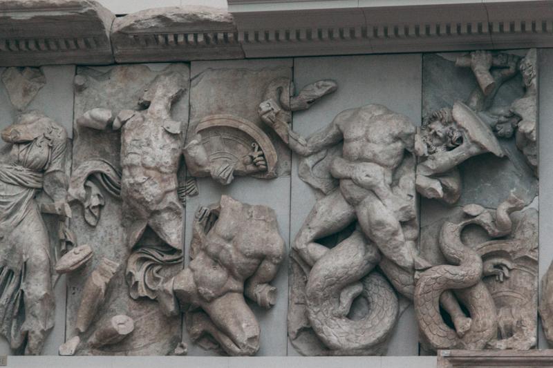 pequenos_monstros_pergamon_berlin-29