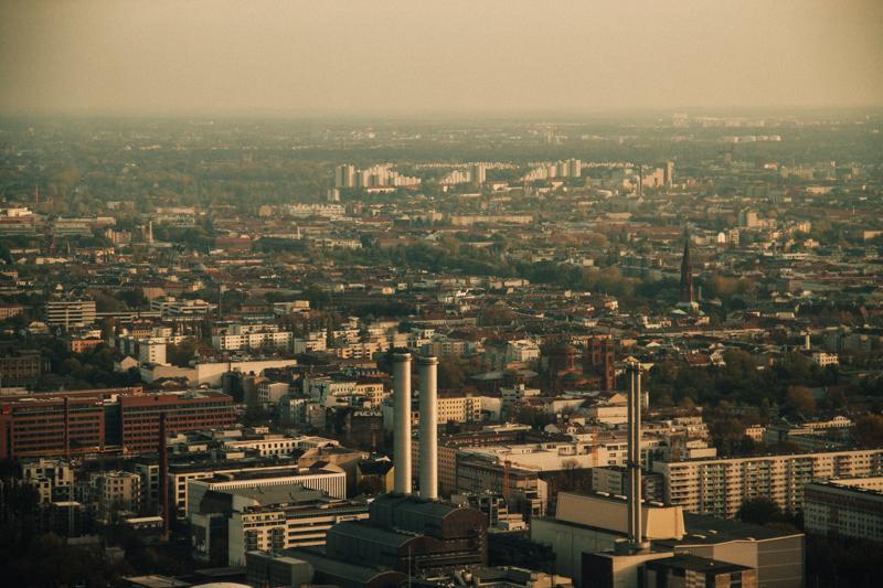 pequenos_monstros_berliner_fernsehturm_tv_tower-10