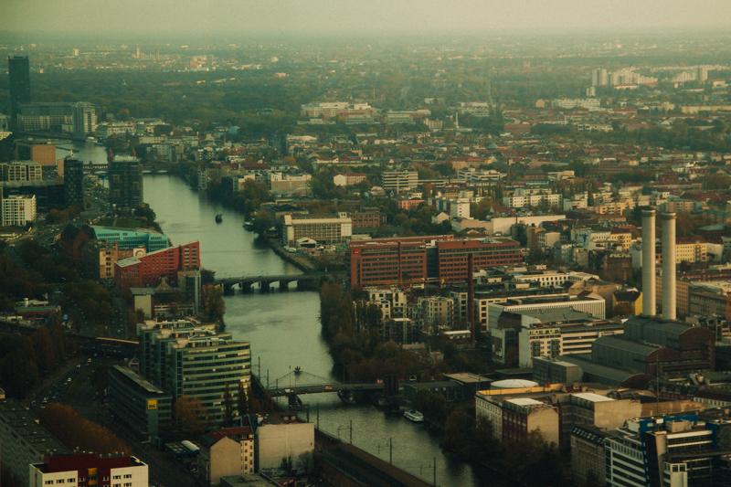 pequenos_monstros_berliner_fernsehturm_tv_tower-12