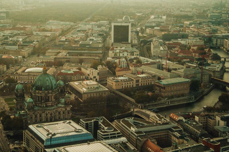 pequenos_monstros_berliner_fernsehturm_tv_tower-13