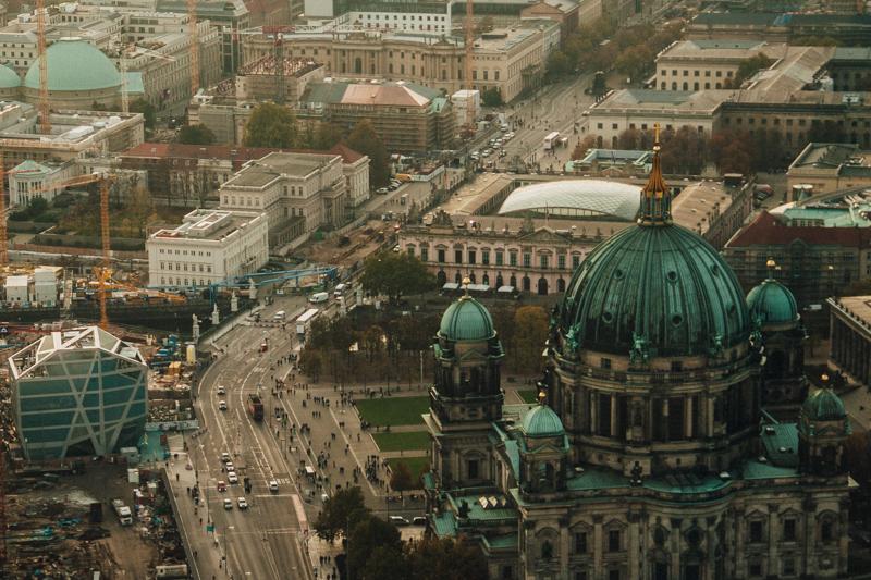pequenos_monstros_berliner_fernsehturm_tv_tower-24