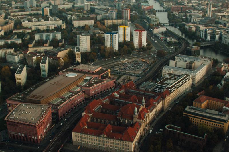 pequenos_monstros_berliner_fernsehturm_tv_tower-31