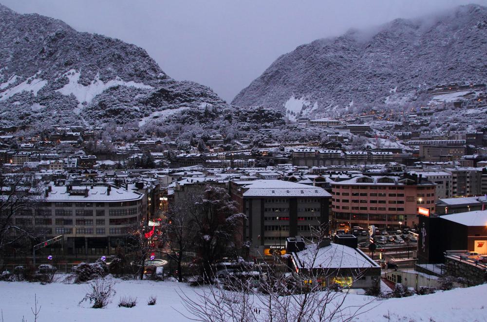 Andorra_PequenosMonstros_Denis_Grigoriev