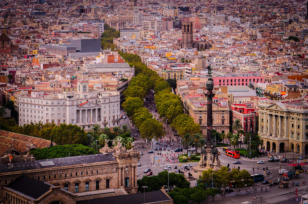 Barcelona_PequenosMonstros_Tom_Dutton