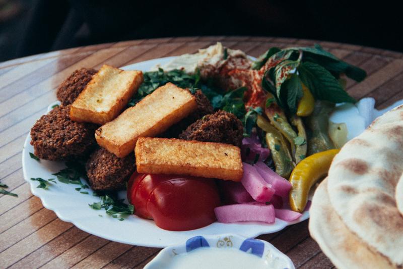 pequenos_monstros_comer_em_berlim_falafel