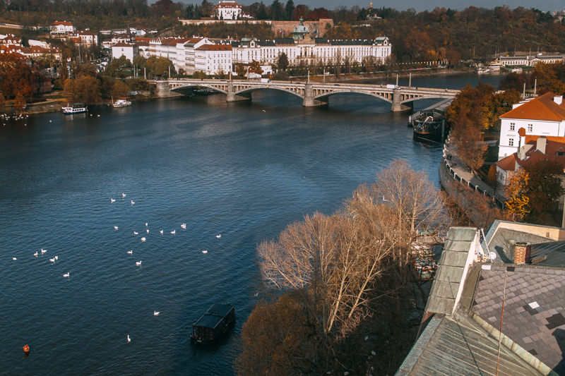 pequenos_monstros_praga_republica_tcheca_charles_bridge-12