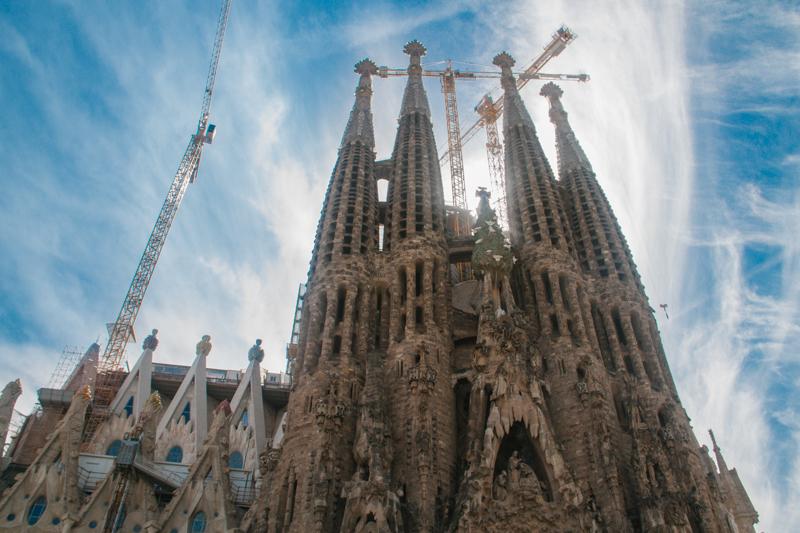 pequenos-monstros-barcelona-sagrada-familia-perfeccionismo-2