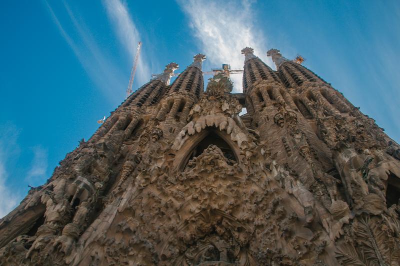 pequenos-monstros-barcelona-sagrada-familia-perfeccionismo-4