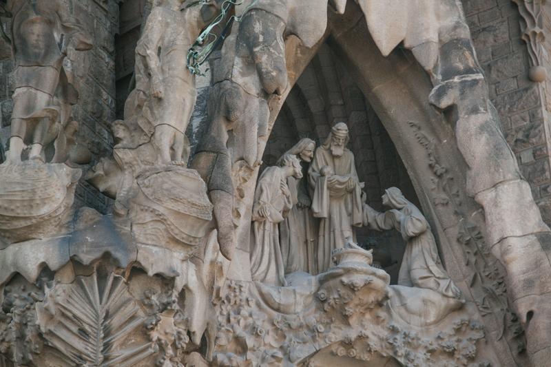 pequenos-monstros-barcelona-sagrada-familia-perfeccionismo-6