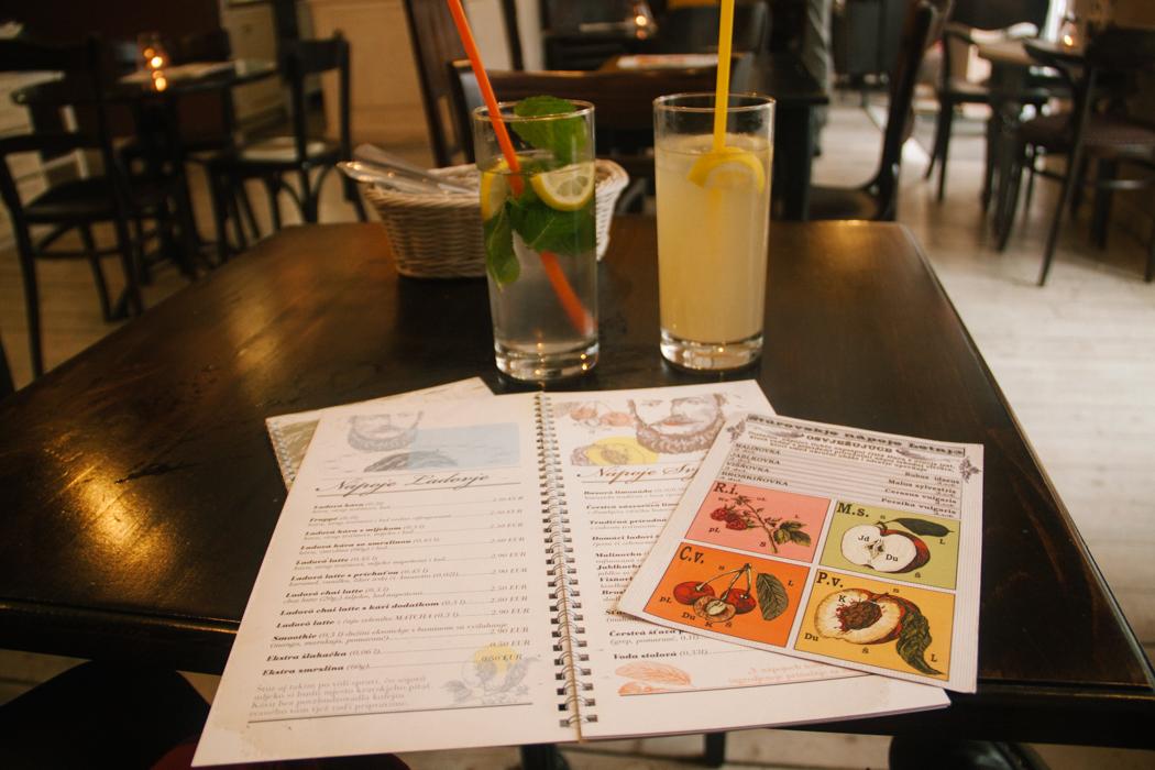cafes_na_bratislava_eslovaquia_comida_pequenos_monstros