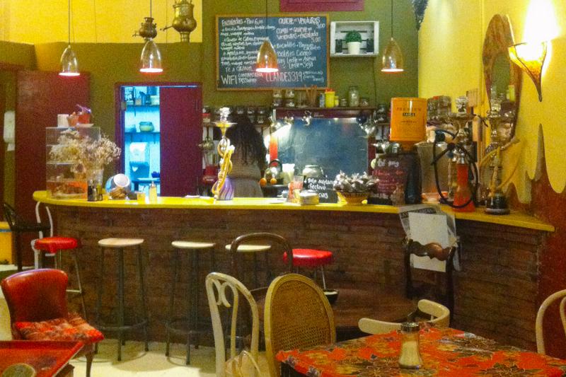 pequenos-monstros-nomade-digital-trabalhar-cafe-barcelona-4